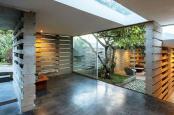 Casa construita cu piese LEGO din beton