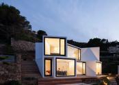 Casa compusa din 10 cuburi