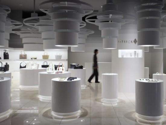 Amenajarea interioara a magazinului Patrick Cox
