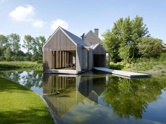 Case din lemn. Extensie