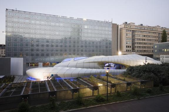 Pavilionul Chanel. Zaha Hadid