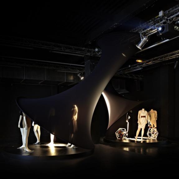 Expozitia Fin Noir. Saptamana modei