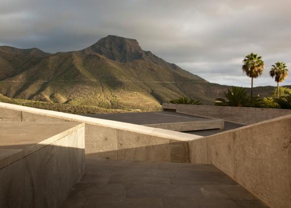 Piata Espana. Deasupra muzeului din Tenerife