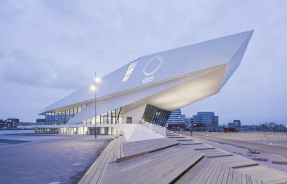 RIFF 2013: despre arhitectura fatadelor si acoperisurilor