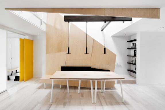 Amenajarea moderna si luminoasa a unei case