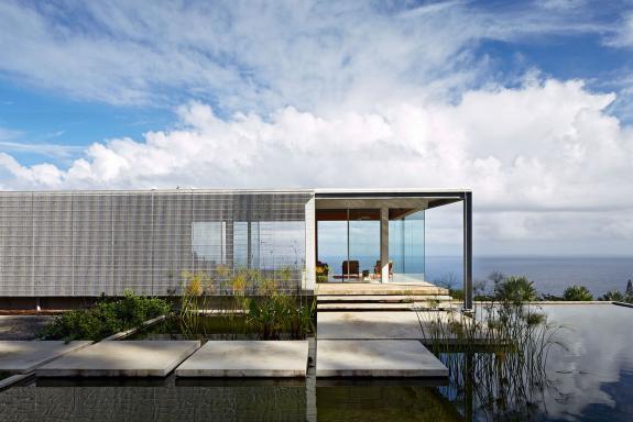 Casa Lavaflow asigura conditiile esentiale locuirii in mediul dinamic al insulei Hawaii