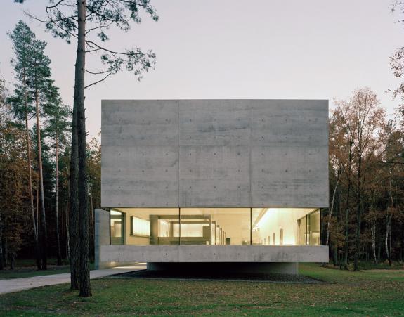 Centrul de informare al memorialului Bergen-Belsen din Germania
