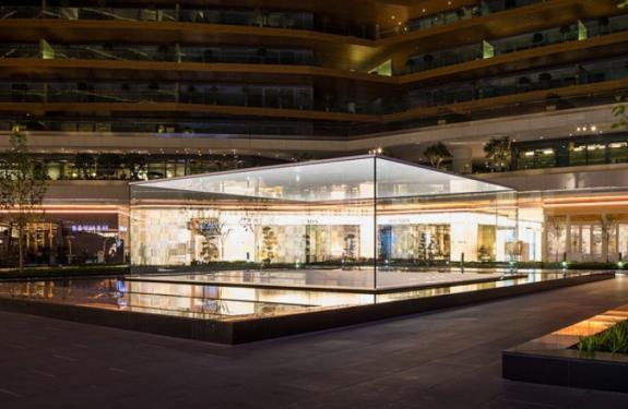 Primul magazin Apple din Istanbul, proiectat de Foster & Partners