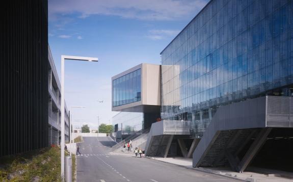 Noul centru comercial al aeroportului Charles de Gaulle, in valoare de 185 de milioane de euro, in programul RIFF 2014