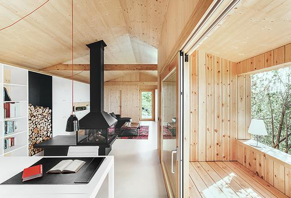 Casa / Studio din lemn